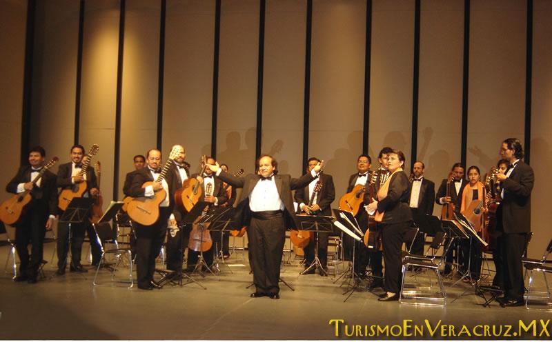 Invita SEV a concierto de la Orquesta de Guitarras de Xalapa