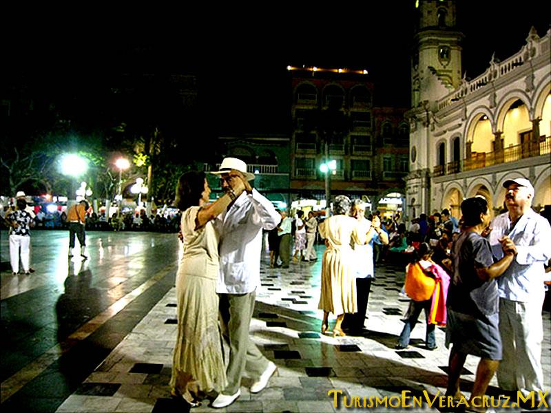 Vive el danzón en el alma de Veracruz