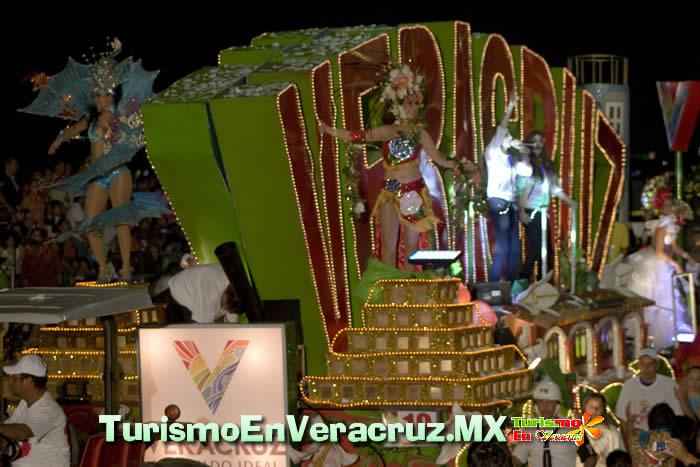 Folclor y regiones veracruzanas durante paseos del Carnaval: Secturc