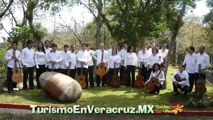Invita IVEC al concierto de la Orquesta de Guitarras de Xalapa