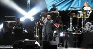 Más de 10 mil personas en el primer gran concierto del Carnaval 2013