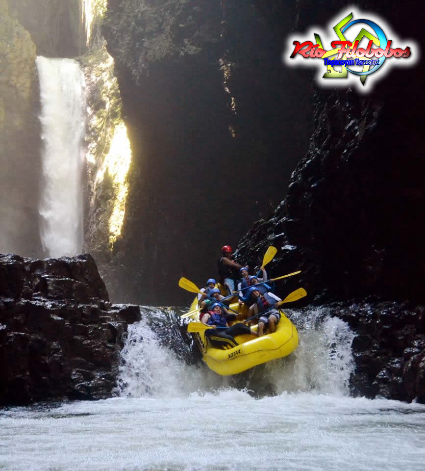 Filobobos Te Ofrece El Campamento De Verano 2013 - Cascada El Encanto