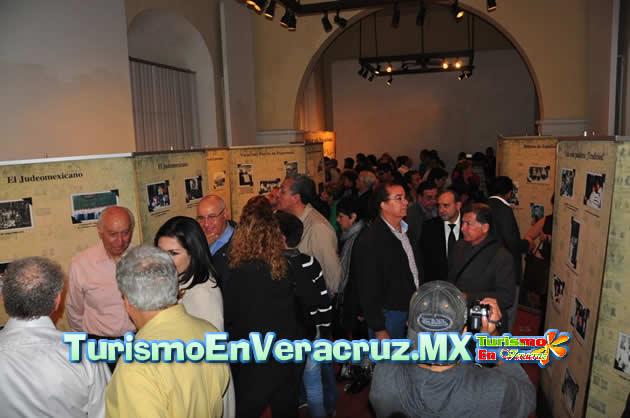 """Inaugura Alcaldesa de Veracruz exposición fotográfica """"100 años de presencia judía en México"""""""