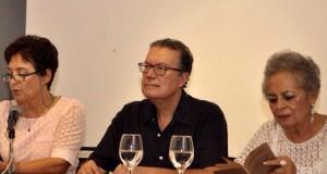 Presentan libro Mar de letras y otros naufragios de José Romero Salgado