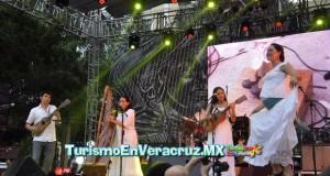 Espectacular cierre del Afrocaribeño en el Zócalo de Veracruz