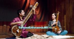 Ofrece Hollving Argaez Pizaña recital de música clásica de la India