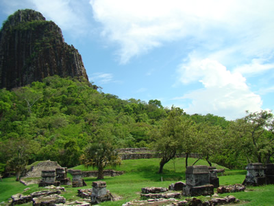 Zona Arqueológica Quiahuixtlan Veracruz