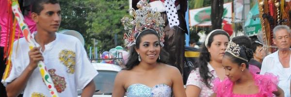 Tradicional desfile de la Doncella del Mar y el Tritón