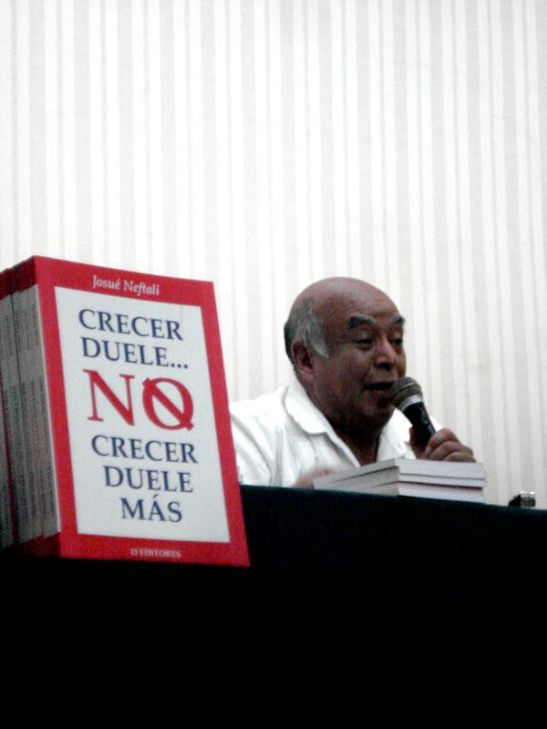 Con gran éxito, efectúa Ayuntamiento de Veracruz presentación de libro