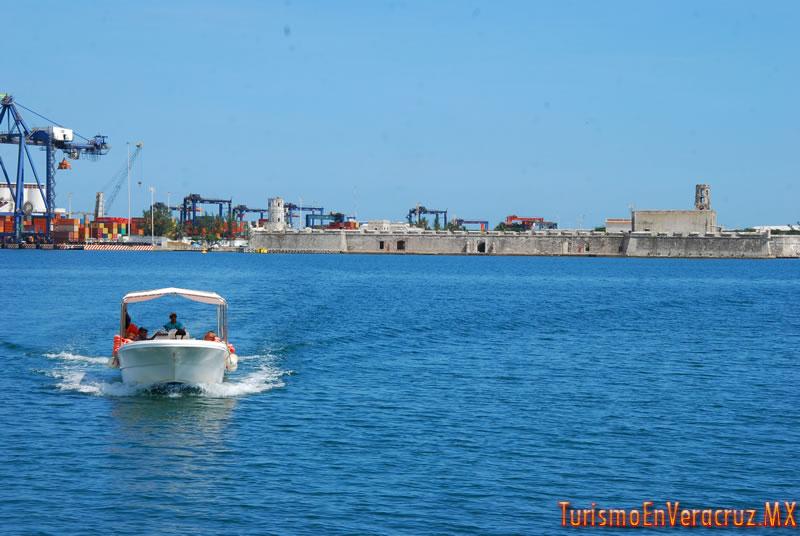 Realiza Ayuntamiento de Veracruz traslados turísticos a San Juan de Ulúa