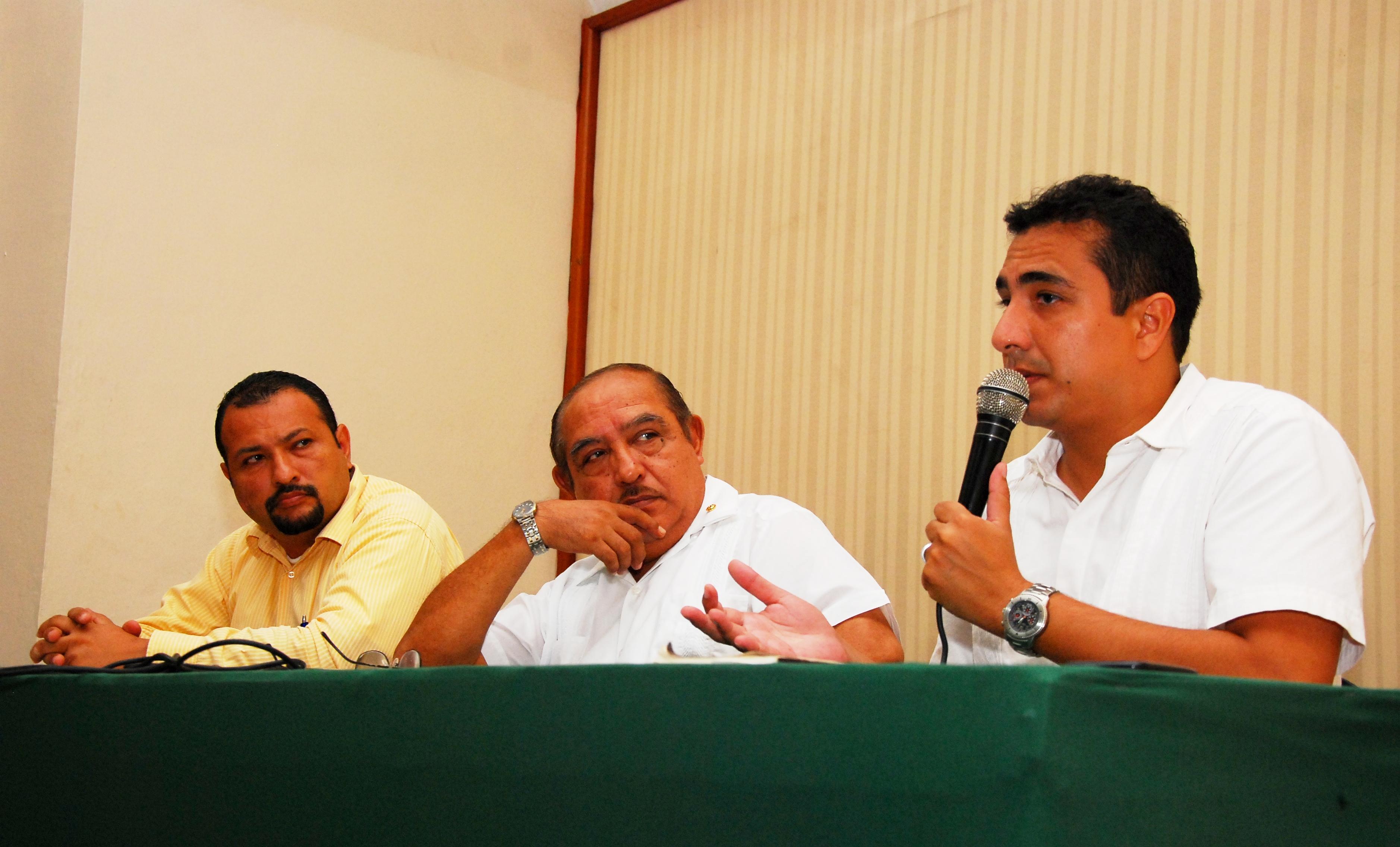 Reconoce Ayuntamiento de Veracruz a Jaime Baca Rivero como un veracruzano ejemplar.
