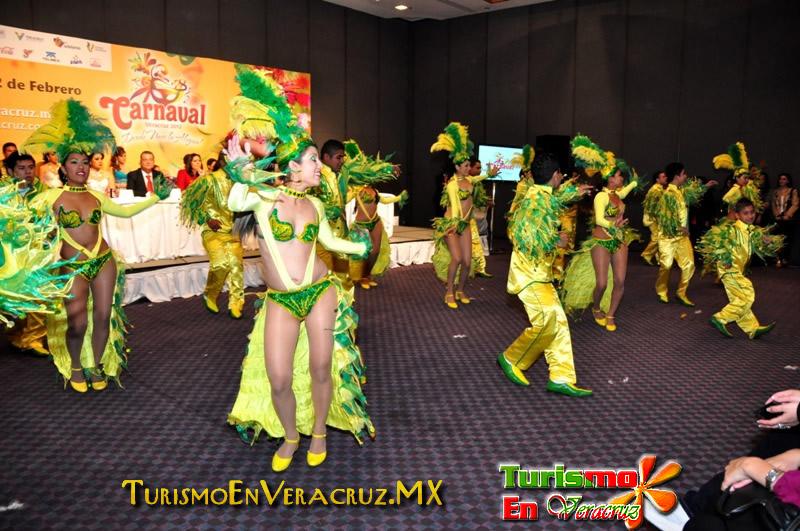 Presenta Carolina Gudiño Carnaval de Veracruz 2012 a medios de comunicación nacionales
