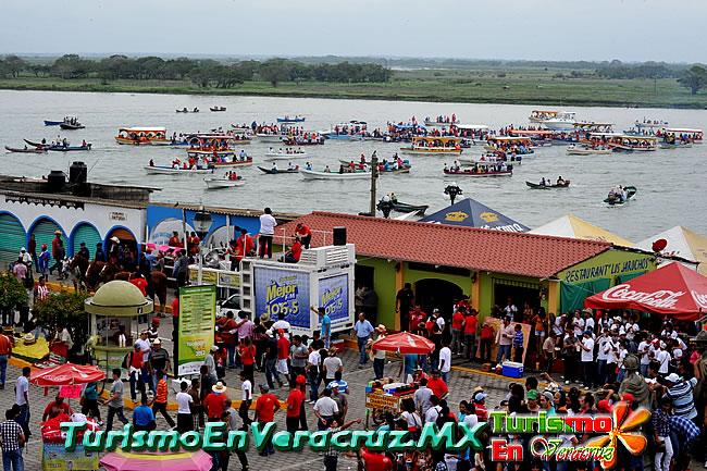 Sigue la fiesta con las tradicionales regatas en Tlacotalpan