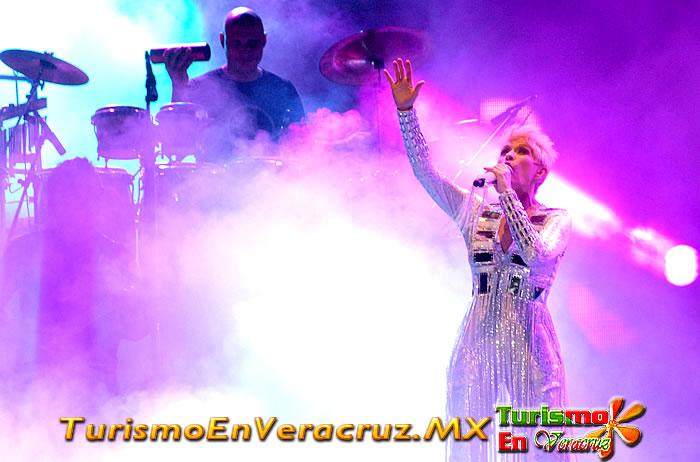 Espectacular concierto de Yuri en las fiestas de La Candelaria