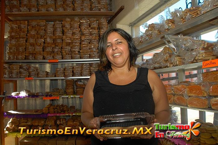 Más de 70 años del tradicional pan tlacotalpeño