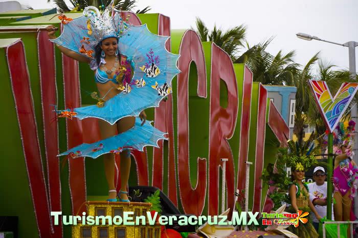 Veracruz y Brasil reafirman lazos de amistad con baile, canto y fiesta en el Carnaval 2012