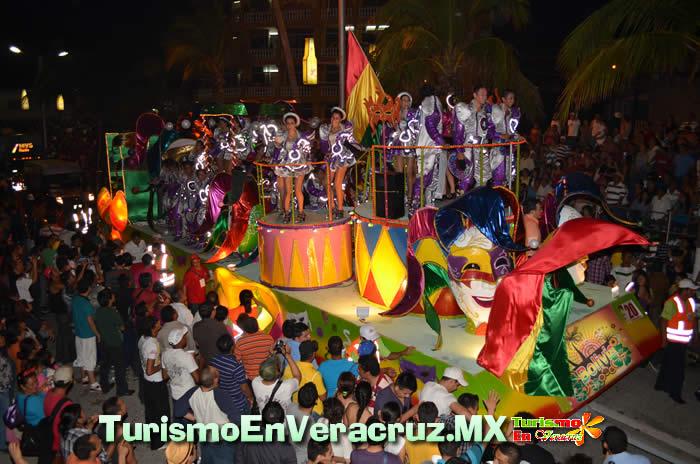 El Carnaval de Veracruz llega hasta las colonias porteñas