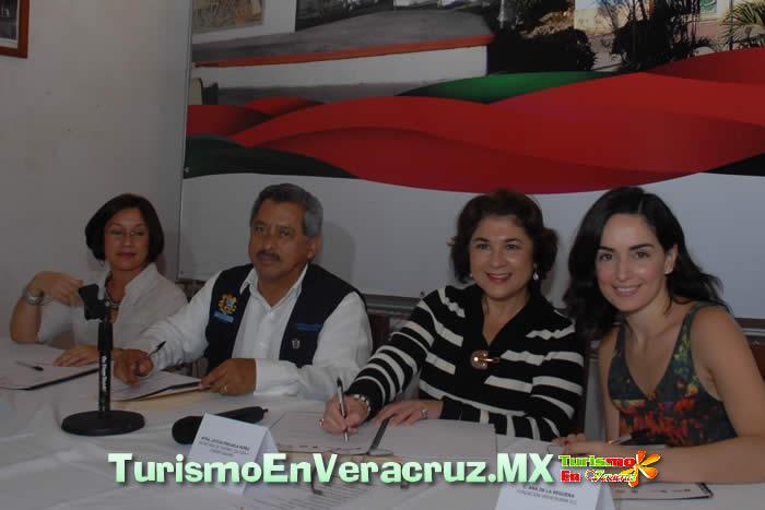 Firman acuerdo para impulsar el turismo en La Antigua