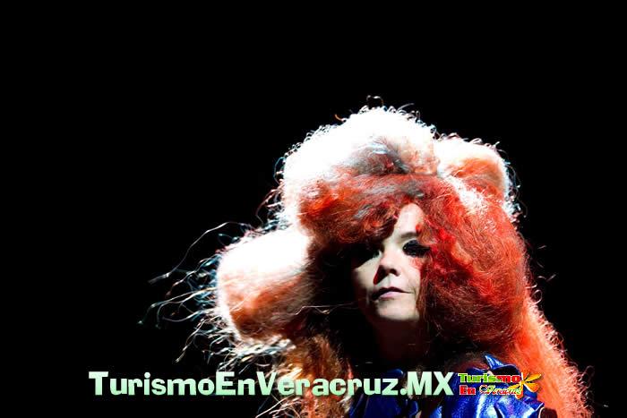 Björk, inmejorable cierre de Cumbre Tajín 2012