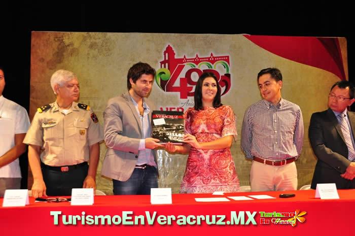 Ya está en Veracruz el pianista internacional David Gómez.