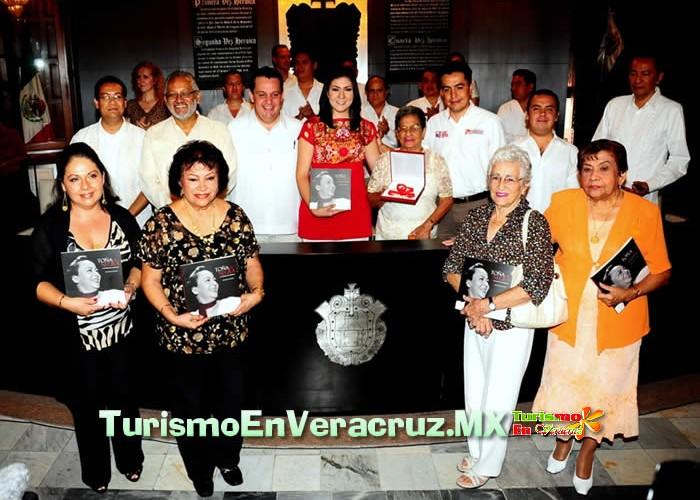 """Ayuntamiento de Veracruz rinde homenaje a Toña """"La Negra"""" en el centenario de su nacimiento"""