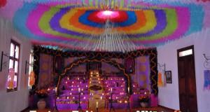 Naolinco vive sus tradiciones con muestras de altares y representaciones