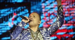 Abarrotan más de 70 mil personas el concierto de Miguel Bosé