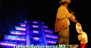 Ritmo y movimiento de la danza tradicional totonaca en Cumbre Tajín 2013