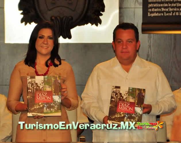 """Presenta Carolina Gudiño el libro """"Díaz Mirón, Vida y Obra"""""""