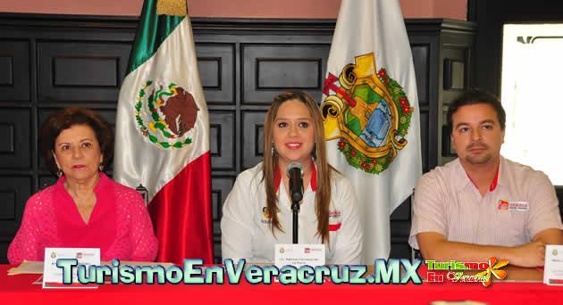 """Presenta Ayuntamiento de Veracruz convocatoria del concurso de cronistas """"Premio Jaime Baca Rivero 2013"""""""