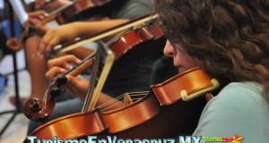 """Listo el concierto de la Orquesta Sinfónica Juvenil """"Daniel Ayala"""" en el Teatro Clavijero."""