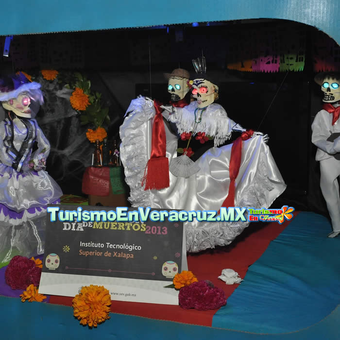 Exponen en Palacio de Gobierno ofrendas por fiestas de 1 y 2 de Noviembre