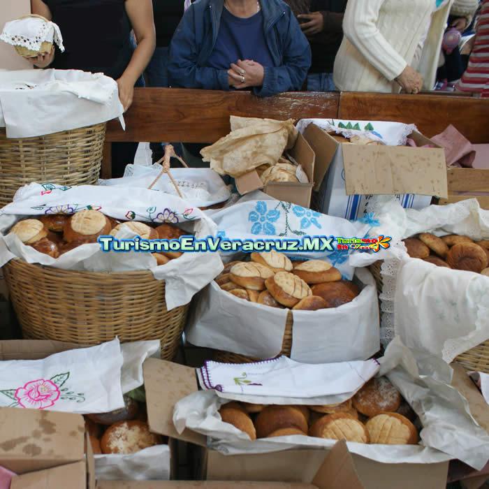 Celebran en Otates la ancestral Feria del Pan