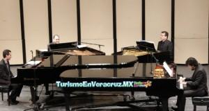 Exitoso concierto único con cuatro pianos en escena