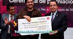 Miguel Rodríguez y Alejandra Zamudio, ganadores de la Segunda Bienal de Arte Veracruz 2014