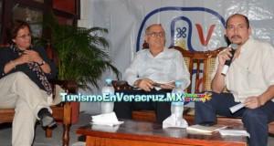 Presenta Lourdes Hernández libro en Atarazanas