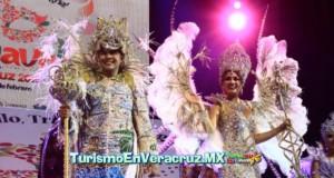 Alegre y colorida noche de coronación para los Reyes del Carnaval 2015