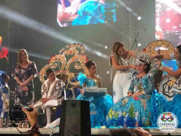 Emotiva y alegre coronación de los Reyes Infantiles en el Carnaval de Veracruz 2019