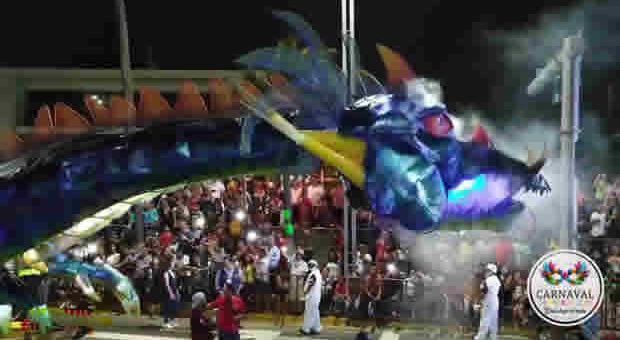 Supera las expectativas de asistencia el Primer Gran Desfile del Carnaval