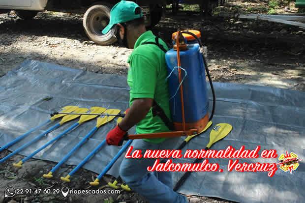 Sanitización Del Equipo De Aventura En El Río Pescados Jalcomulco, Veracruz